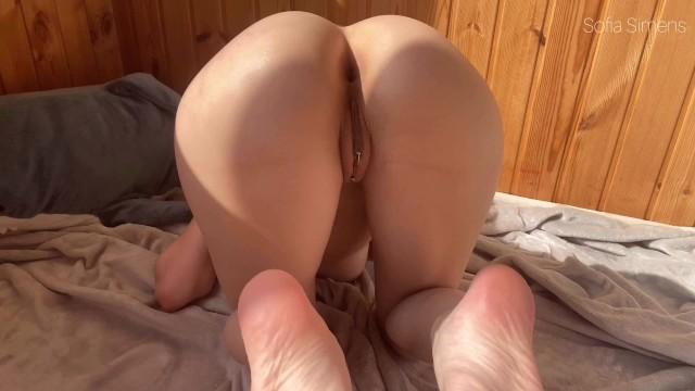 Big tited naked woman posing